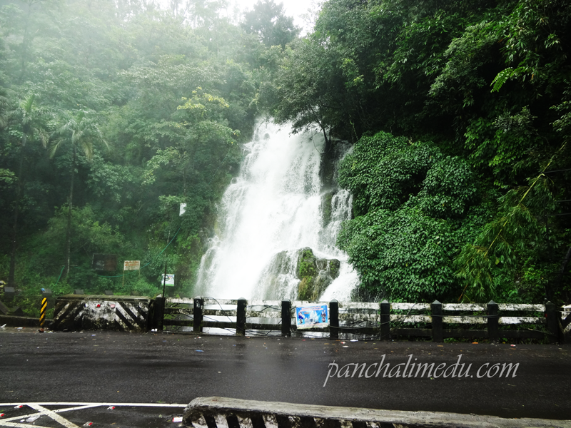 Valanjanganam Waterfall